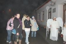 Průvod andílků 2009 s nadílkou Mikuláše