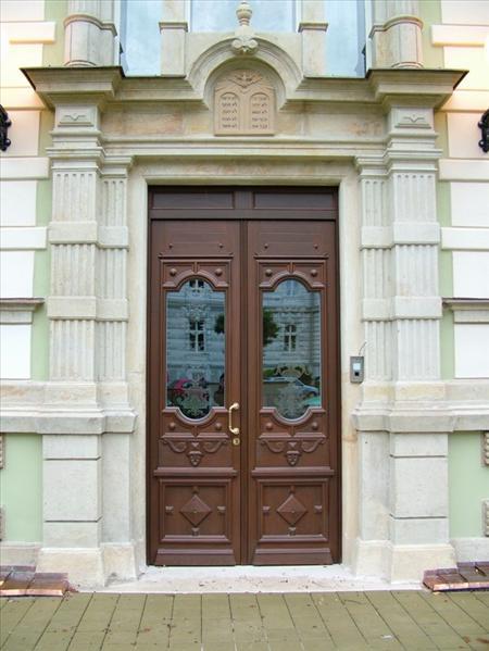 Vchodové dveře dvojkřídlé