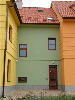 Euro okna Beroun - levý vstup do bytů