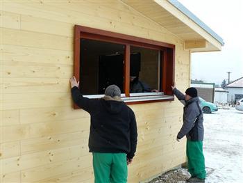 Vložení okna do stavebního otvoru