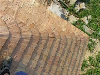 Jedna z možností vyskládání nároží střechy