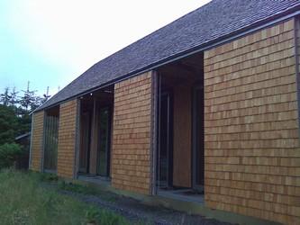 Přirozené ztmavnutí šindele:střecha vs. obklad