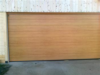 garážová vrata dekor - světlý dub