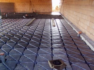 IGLU, podlaha před betonáží